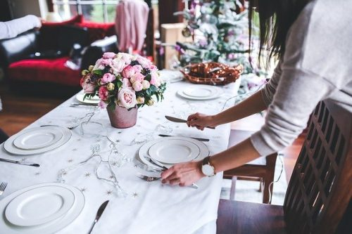 How To Set A Table For Dinner-Tips For 3 Different Occasions
